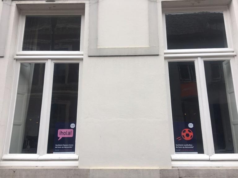 Posters voor het raam